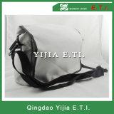 Weißer Farben-Polyester-Kurier-Beutel mit schwarzer gewebtes Material Shouler Brücke