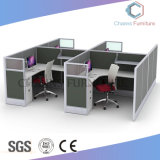 Stazione di lavoro moderna dell'ufficio della mobilia con il Governo