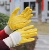Interlock de coton recouvert de nitrile jaune Shell de la moitié de la sécurité des gants de travail (N6015)