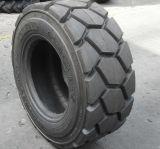 굴착기 미끄럼 수송아지 타이어 살쾡이 타이어 미끄럼 수송아지 타이어 12-16.5 Sks 비스듬한 나일론 패턴