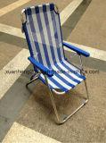 Chaises de plage bon marché à Spring