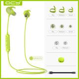 Auricular de Bluetooth de la cena de la nueva llegada mini y micro en el oído para el funcionamiento y el ciclo