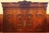 高貴な城の木のドア