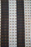 Tessuto caldo del merletto del poliestere di vendita di nuovo stile con il reticolo elegante del ricamo per l'indumento