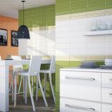建築材料屋内のための艶をかけられた内部の陶磁器カラー壁のタイル