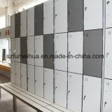 Armarios laminados del vestuario HPL del compacto de madera de centro del grano del BALNEARIO