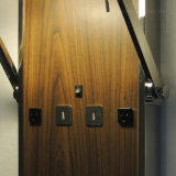 Impiallacciatura di legno di disegno moderno e lampada da parete rotativa dei ripari della parete dello schermo del tessuto del metallo