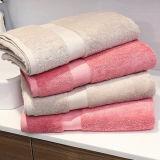 우수한 100%로 만든 호화스러운 목욕탕 목욕 수건은 빗질한 면, 호텔 & 온천장 질에 의하여 착색된 수건을 길 분류한다