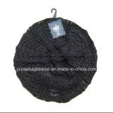 형식 숙녀 크로셰 뜨개질에 의하여 뜨개질을 하는 베레모 베레모 앞으로 수그리는 베레모