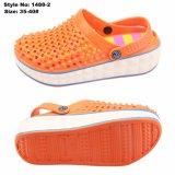 通気性の上部デザインのエヴァの高さの増加する靴