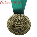 リボンが付いている金属によってカスタマイズされる優秀賞の金メダル