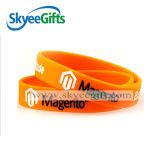 Silicone Wristband&Bracelet di Debossed di fabbricazione della Cina per il regalo di sport