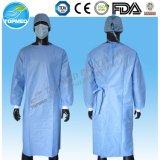 Desechables bata quirúrgica SMS azul claro con Fours Corbatas y Kintted Cuff