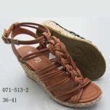 Género de las mujeres y sandalias materiales de la cuña de las mujeres del PVC Outsole