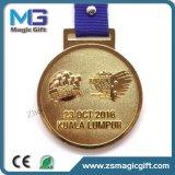 高品質によってカスタマイズされる旧式な金の金属メダル