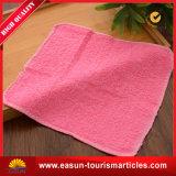 皿が付いている使い捨て可能な綿タオル