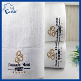 Logo personnalisé de gros de l'hôtel 16s des serviettes de bain