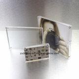Het kleine Freestanding Opgepoetste Duidelijke Acryl Magnetische Frame van de Foto van het Beeld
