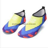 Les femmes de l'eau de l'été coloré de nouvelles chaussures Aqua pantoufles pour glisser sur le parc aquatique sandales de plage Sandalias diapositives