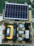 Sistema de energía solar del uso casero portable de China pequeño con la radio MP3