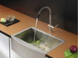 Cupcはステンレス鋼のエプロン前部単一ボールのハンドメイドの台所の流しを証明した