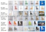 Cruz de madera y metal silla atrás