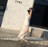 女性の花のレースのかぎ針編みの偶然の長い袖のSee-Throughブラウスの上のワイシャツ