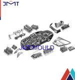 El moldear plástico de las piezas del ajuste interior del coche