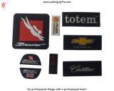 Etiquetas de caucho de tela en relieve para camisetas (YH-L007)