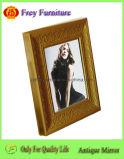 Blocco per grafici di legno alla moda della foto con il disegno antico