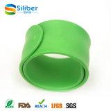Fábrica Faça Pacotes de Silicone Clap Custom Bracelet / Bangle