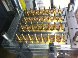 Máquina plástica da modelação por injeção da forquilha
