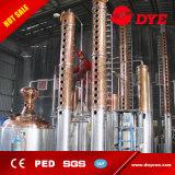Destilería de cobre que hace el equipo de destilación para el whisky, ginebra, vodka
