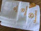 贅沢な綿の白いSheratonのホテルの刺繍タオルセット