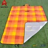 125GSMアクリルのカスタム防水Foldableピクニック毛布