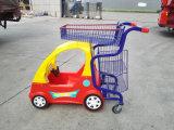 Het Karretje van het jonge geitje voor Supermarkt met de Auto van het Stuk speelgoed
