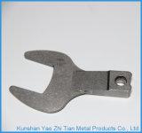 Подвергать механической обработке высокой точности частей ключа