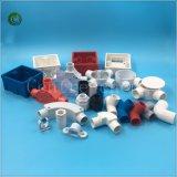 Installation électrique de fils pour le plastique de selle de conduit