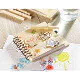 Libreta de los niños con 70 paginaciones y un lápiz con insignia modificada para requisitos particulares