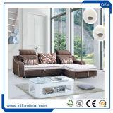 調節可能なヘッドレスト手短かに様式の装飾されたファブリック折りたたみ椅子のソファーベッド