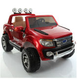 Езда ренджера Ford на автомобиле ягнится игрушки детей электрические