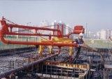 Le matériel de construction le béton en plaçant le versant de la rampe de la machine