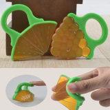 熱いアマゾンTeethersのおもちゃの安全をかみ砕いているすべての自然な赤ん坊