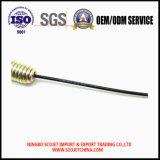 El cable de control con el resorte tensor y a presión el extremo de la fundición