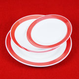 Piatto di ceramica piano della prima colazione poco costosa del ristorante