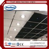 正方形の端の黒のガラス繊維の音響の天井のバッフルか中断された天井板