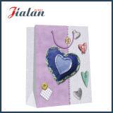 L'art forme de coeur de papier imprimé personnaliser sac cadeau d'achats de papier
