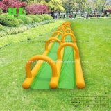 子供のための黄色および緑の膨脹可能な水スライド水ゲーム
