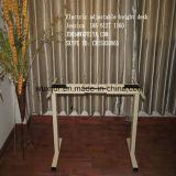 Höhen-justierbarer Schreibtisch