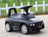 Bebê de controle remoto do brinquedo em carros do balanço do brinquedo